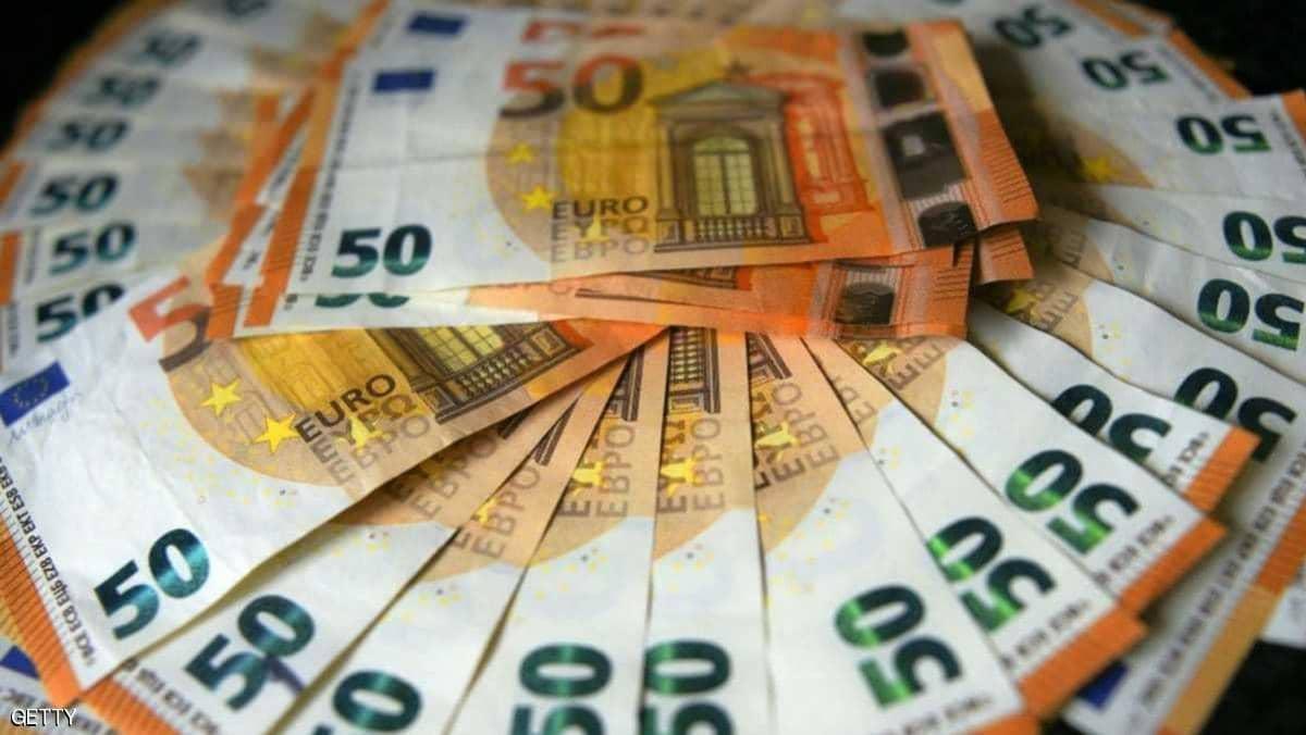 مجهول يوزع 200 ألف يورو نقدا لجمعيات خيرية بألمانيا ...